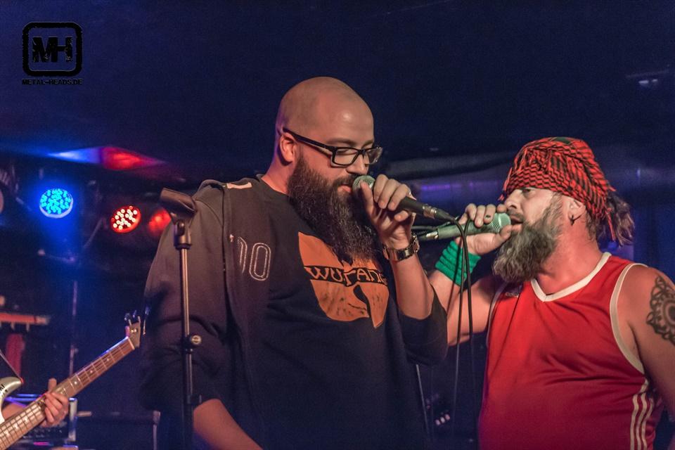 Crewso mit Blackeyed Blonde - Foto by Daniel Schuetze - metal-heads.de